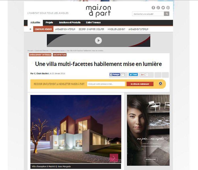 Maison à part Une villa multi-facettes habilement mise en lumière